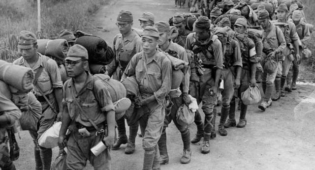 看看二战时日本国内的情况,才知道日本穷兵黩武到什么程度