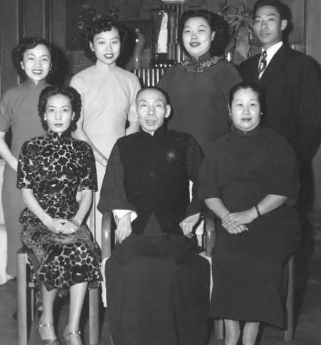 杜月笙被称上海皇帝,那么他的势力有多大?说出来让人很难相信