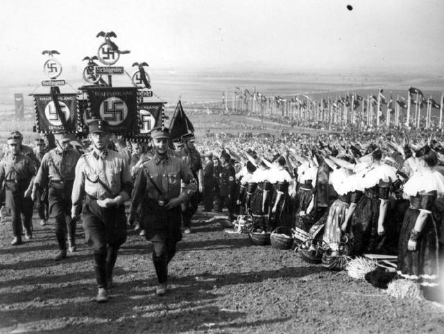 纳粹德国为什么又叫第三帝国?第一、第二帝国又是什么?